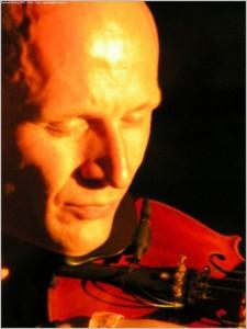 Miko Mikulicz mit Geige